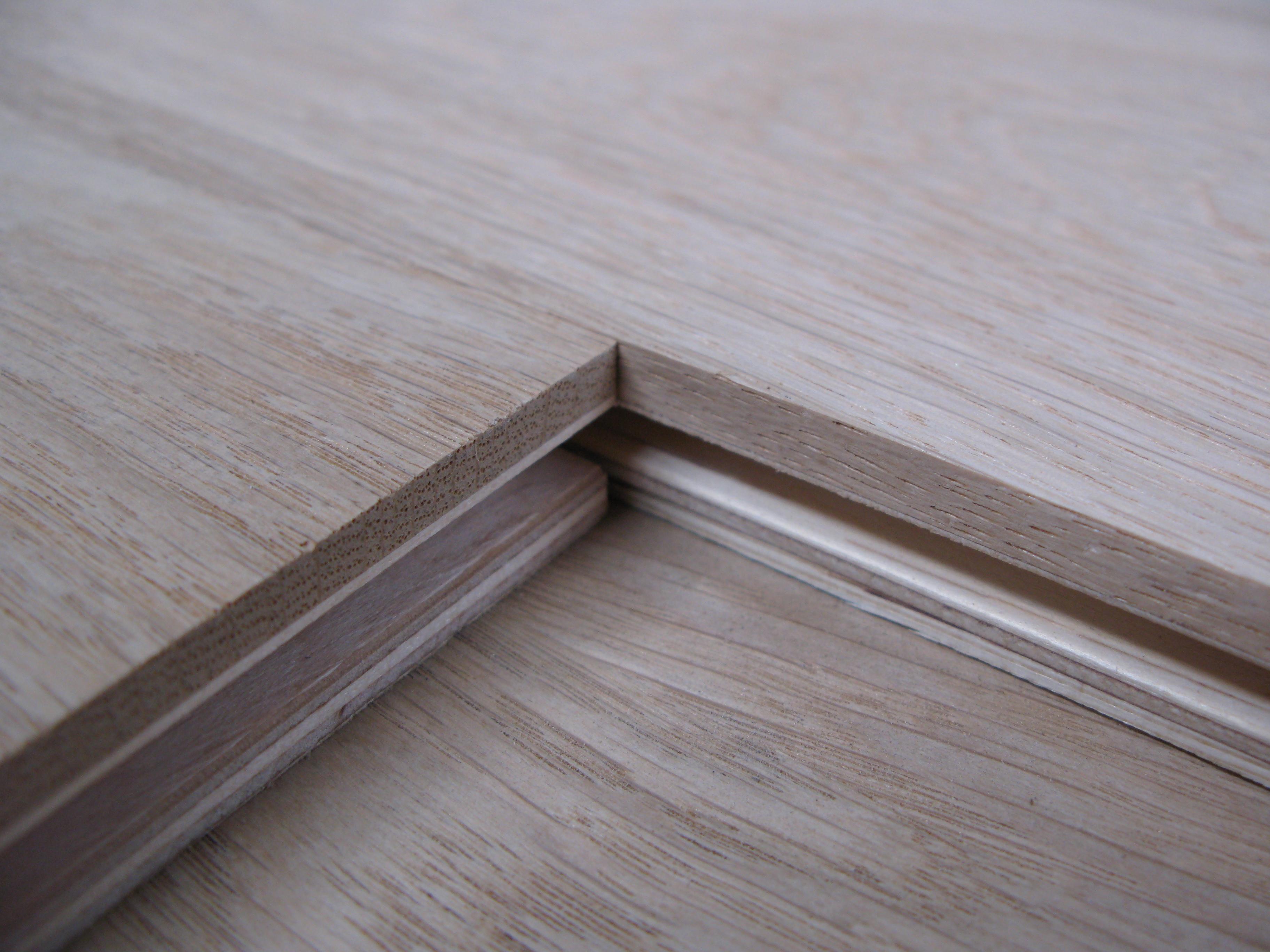 Deska podłogowa warstwowa
